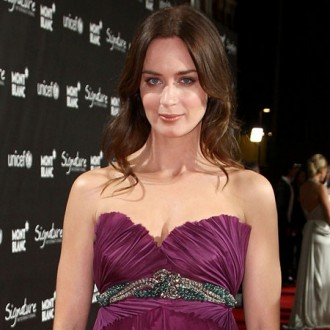Emily Blunt plans May wedding