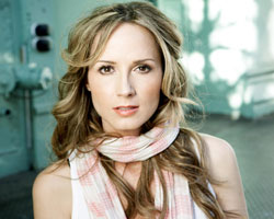 ELLE Interview: Chely Wright