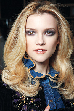 hair-style-how-to-soft-bouncy-waves-6