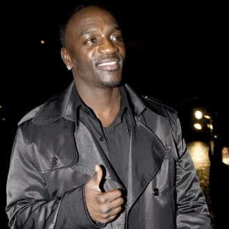 akon-defends-michael-jackson-collaboration-2