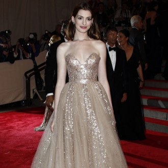 Anne Hathaway says love can be painful