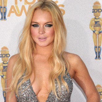 lindsay-lohan-wants-old-friends-back