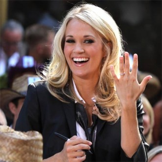 carrie-underwood-scoops-six-american-country-awards-2