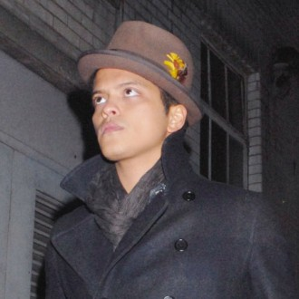 bruno-mars-writes-two-hour-hit-2