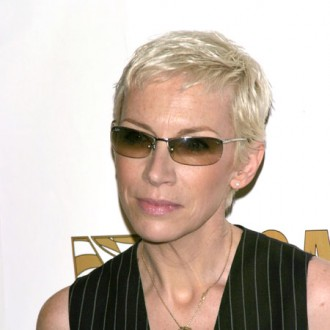annie-lennox-to-receive-02-silver-clef-award-2