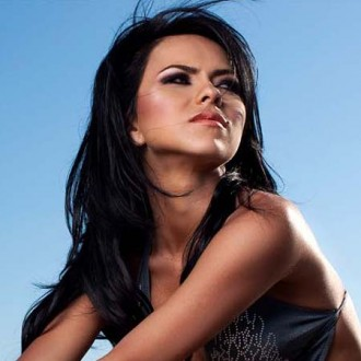 inna-hoping-for-black-eyed-peas-track-2