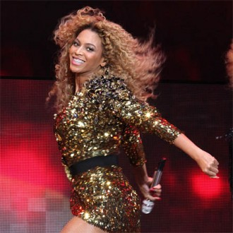 beyonce-knowles-launches-album-in-london-2