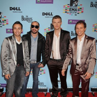 backstreet-boys-urge-guys-to-see-their-show-2