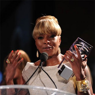 mary-j-blige-to-stream-free-show-2