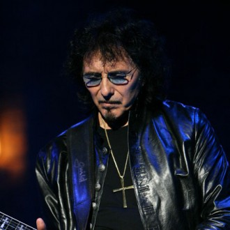 tony-iommi-overwhelmed-by-fans-support-2