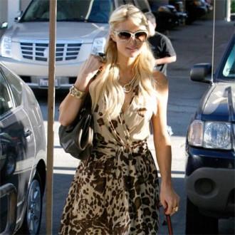 Paris Hilton plans house record