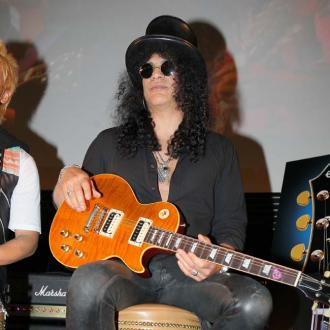 slash-announces-new-album-apocalyptic-love-2