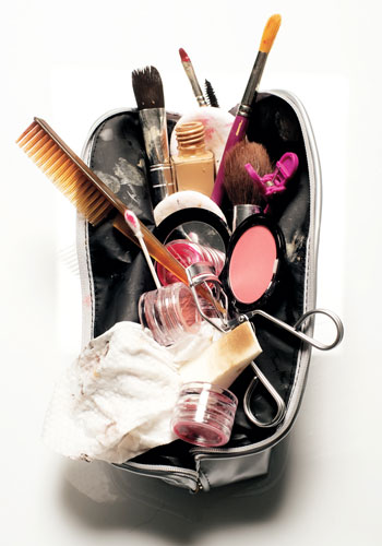 spring-beauty-spring-clean-your-makeup-bag-3