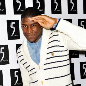 labrinth-gets-moshing-at-live-shows-2