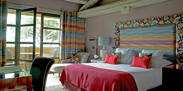 fashionable-missoni-styled-suite
