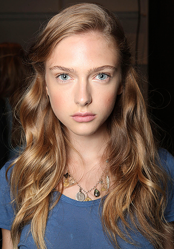 Summer hair: the ultimate anti frizz guide