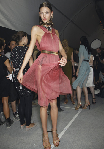 summer-fashion-4-fashion-tips-on-how-to-wear-the-sheer-trend-3