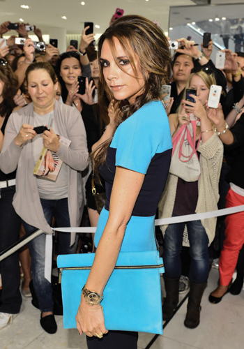the-posh-life-5-mins-with-victoria-beckham-3