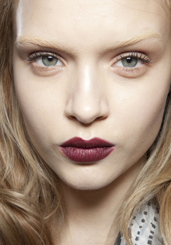 fall-2012-beauty-trends-lipstick-runway-looks-3