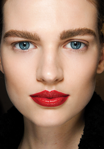 premium-blend-the-lipsticks-that-are-revolutionizing-our-beauty-routines-3