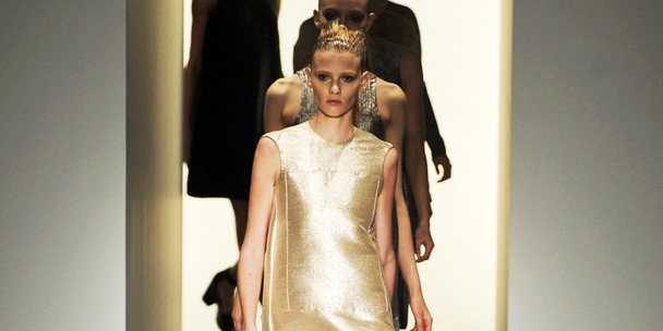 Watch the Calvin Klein Women's Fall 2013 runway show LIVE