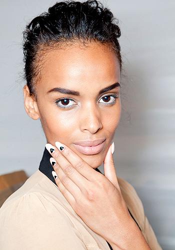 6 unhealthy nail habits