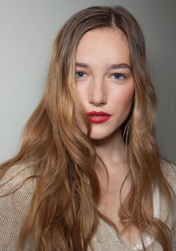 5-new-ways-to-wear-wavy-hair-3