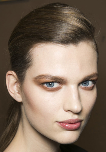 the-best-makeup-tips-for-blue-eyes-3