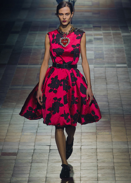 fall-2013-fashion-trends-the-best-rose-runway-looks-2