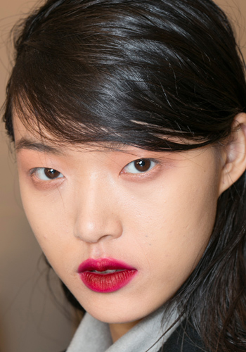 makeup-tips-how-to-create-a-perfectly-stained-lip-3