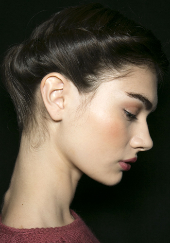 beauty-trend-lesson-carolina-herreras-french-twist-updo
