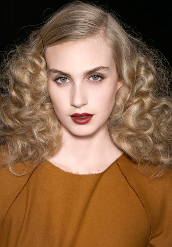holiday-hair-get-bottega-venetas-soft-curls