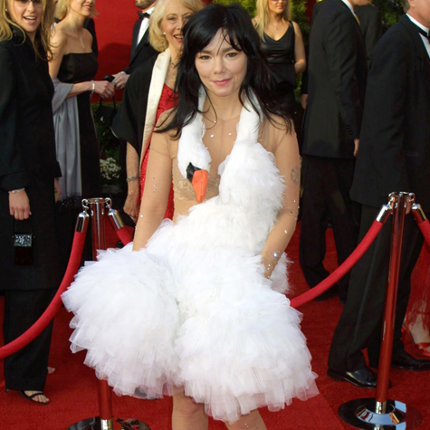 10-most-iconic-oscar-dresses-2