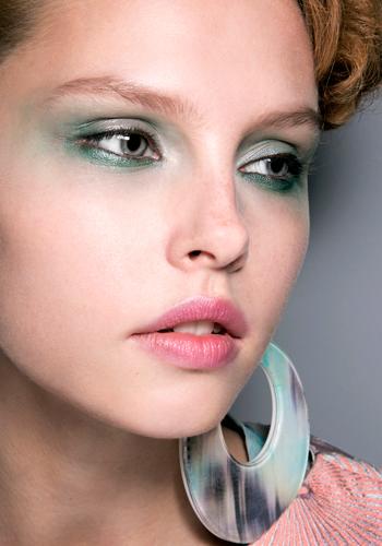 5-ways-to-wear-pastel-makeup-2