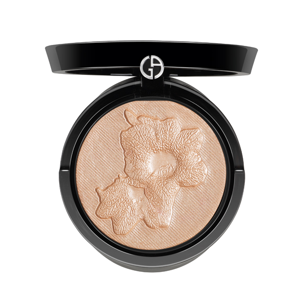 Spring beauty: 12 highlighters for glowing skin