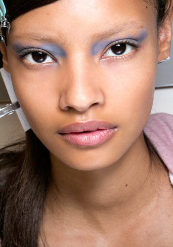 5 reasons to try bright eye shadow