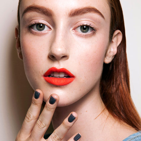 bright-lipsticks-to-freshen-up-your-look
