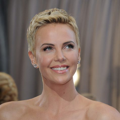 Celebrity beauty: Charlize Theron beauty evolution