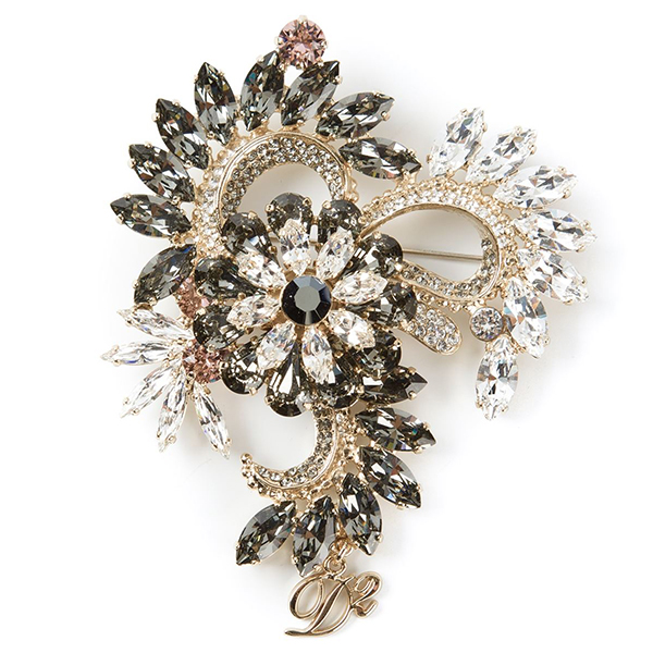 Fashion accessories: 10 beautiful brooches you need to see