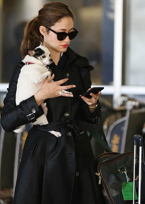 Celebrity airport beauty: Emmy Rossum