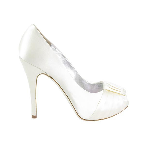 Statement wedding shoes: Ron White