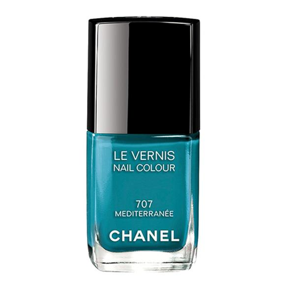 7 shades of blue: Chanel