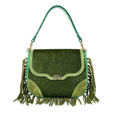 dee-hilfiger-on-the-only-handbags-you-need-this-summer-5