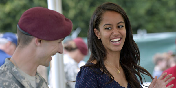 elle-first-malia-obamas-summer-internship-twin-peaks-and-all-the-news-you-need-now