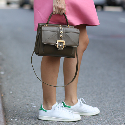 5-ways-to-get-away-with-sneakers-at-the-office-2