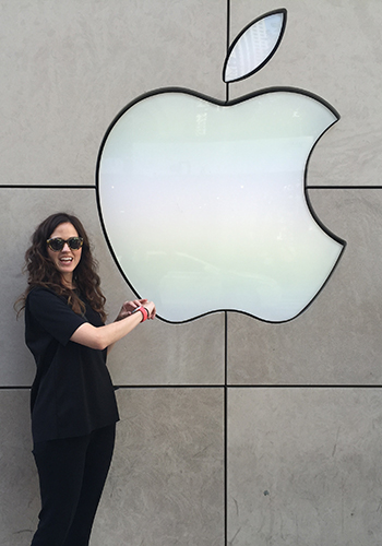 ELLE Canada takes the Apple Watch on a road trip to Chicago