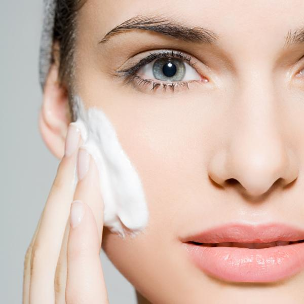 apply-your-skincare-products-in-this-order-for-maximum-benefits-2
