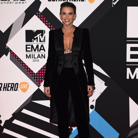 The best dressed celebrities at the MTV EMAs
