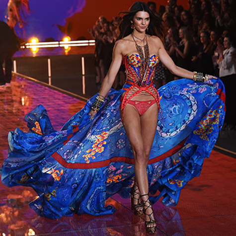 the-best-moments-of-kendall-jenners-victorias-secret-runway-debut