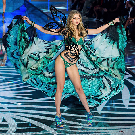the-best-moments-from-gigi-hadids-victorias-secret-debut